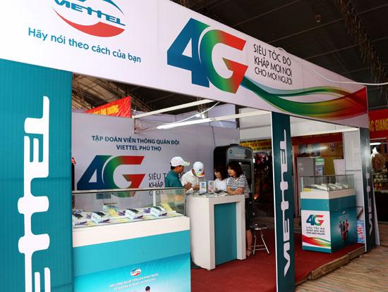 Viettel triển khai các điểm đổi SIM 4G miễn phí cho khách hàng tại lễ hội đền Hùng