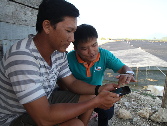 Một chủ đầm nuôi rong biển cho biết là anh đã sử dụng dịch vụ 4G được khoảng 1 tháng và rất hài lòng về tốc độ 4G.